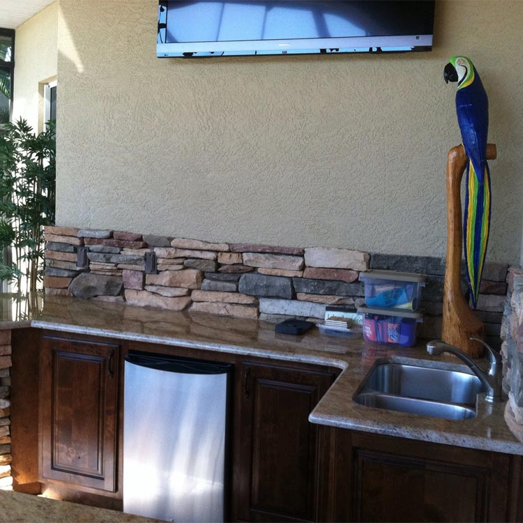 Fort myers outdoor kitchen living spaces